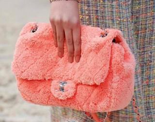 Các mẫu túi giúp nàng nổi bật khi đi chơi Tết