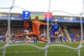 Rashford ghi bàn thứ 9, Man United chấm dứt 'huyền thoại' về Leicester