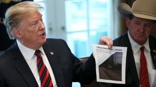 Tổng thống Trump khẳng định có tiền nhiều gấp 20 lần để xây tường biên giới