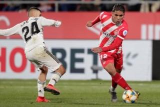 """Real- Girona: Mồi ngon cho """"bầy kền kền"""""""
