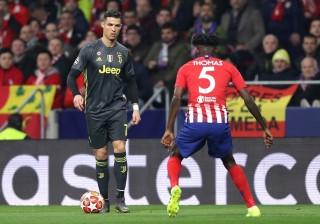 """Ronaldo bị """"khóa chặt"""", Juventus gục ngã trước Atletico"""