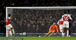Arsenal đá bay MU khỏi Top 4, Chelsea tiếp tục trượt dài