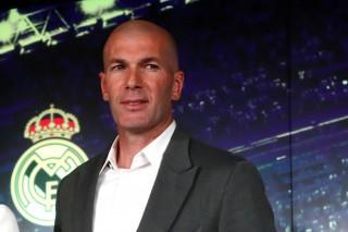 Zidane bất ngờ trở lại dẫn dắt Real Madrid