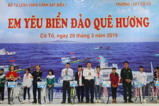 Tổ chức thi 'Em yêu biển đảo quê hương' tại đảo Cô Tô