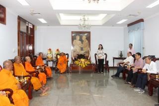 Đoàn chức sắc Phật giáo Nam Tông Khmer thăm lãnh đạo tỉnh nhân Tết Chol Chnam Thmay