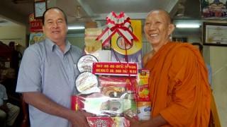 Lãnh đạo tỉnh chúc Tết chùa Khmer tại Tri Tôn