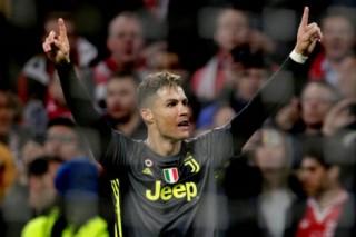 """Ronaldo """"nổ súng"""", Juventus vẫn bị Ajax cầm hoà"""