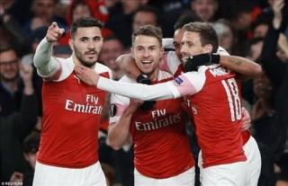 Thắng nhẹ Napoli, Arsenal tiến sát bán kết Europa League