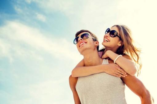 Tại sao vợ chồng thường trông giống nhau?