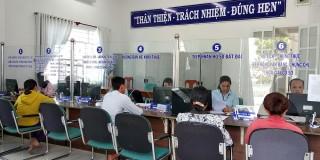 Phú Tân ứng dụng công nghệ thông tin trong giải quyết thủ tục hành chính