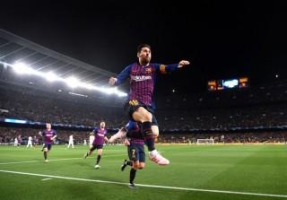 Messi chói sáng, Barca thổi bay MU khỏi Champions League