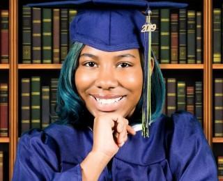 Nữ sinh được 115 trường đại học nhận, chào mời 87 tỉ đồng học bổng