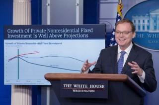 Kinh tế Mỹ tăng trưởng Quý I vượt xa dự báo, các chuyên gia kinh tế bày tỏ nghi ngờ