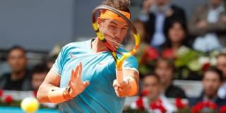 """Madrid Open: Nadal, Fognini thi nhau """"bắn hạ"""" đối thủ chỉ sau 2 ván đấu"""