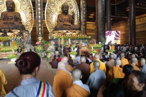 Nghi lễ tắm Phật Đại lễ Phật đản Vesak 2019