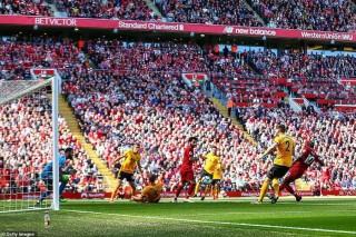 Man City vô địch, số phận quá nghiệt ngã với Liverpool