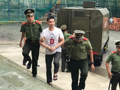 """Nước mắt trong phiên xử """"tập đoàn"""" ma túy lớn nhất Việt Nam"""