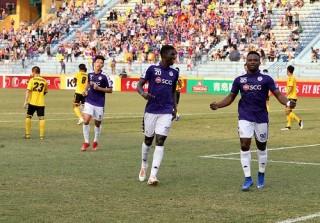 """Đả bại """"đại gia"""" Singapore, Hà Nội vượt qua vòng bảng AFC Cup"""