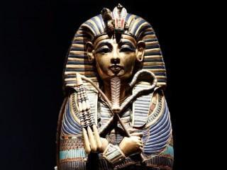 Giải mã bí ẩn vòng cổ 29 triệu năm của Pharaoh Tutankhamun