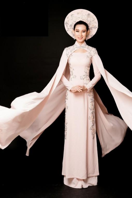Phạm Lan Anh chọn áo dài tranh tài tại Hoa hậu Du lịch Thế giới 2019