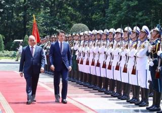 Thủ tướng Nguyễn Xuân Phúc đón, hội đàm với Thủ tướng Italy