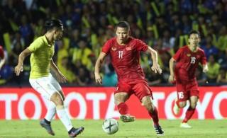 Đánh bại Thái Lan ở phút 94, Việt Nam vào chung kết King's Cup