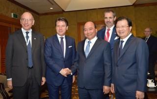 Thủ tướng: Khi các bạn nhìn về hướng Đông, hãy chọn Việt Nam