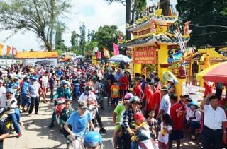 Nhiều hoạt động diễn ra tại Lễ Kỳ yên đình thần Bình Thủy