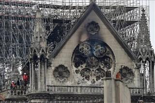 Nhà thờ Đức Bà Paris vẫn có nguy cơ sụp đổ