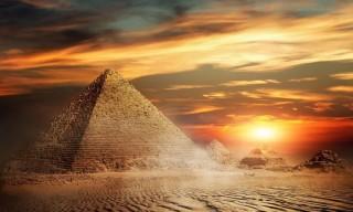 Giật mình đại kim tự tháp Giza có dấu vết người ngoài hành tinh?
