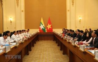 Việt Nam-Myanmar thúc đẩy hợp tác kinh tế-thương mại và đầu tư