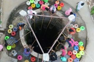 Thành phố lớn thứ 6 của Ấn Độ cạn sạch nước, đời sống rối loạn