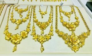 Giá vàng hôm nay 26-6, căng thẳng rốn dầu, vàng liên tục lập đỉnh