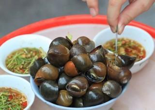 Ốc bươu luộc, đặc sản miền quê giờ tìm ăn không hề dễ