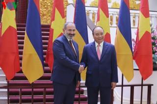 Thủ tướng Nguyễn Xuân Phúc chủ trì lễ đón Thủ tướng Armenia