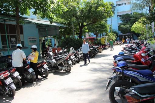 Hạn chế xe ôtô vào Bệnh viện Sản - Nhi An Giang để đảm bảo an toàn cho người bệnh