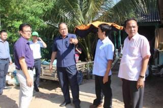 Chủ tịch UBND tỉnh Nguyễn Thanh Bình thị sát tình hình sạt lở ở Tân Châu