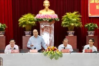Thủ tướng chủ trì họp Tiểu ban KT-XH với vùng Đồng bằng sông Cửu Long