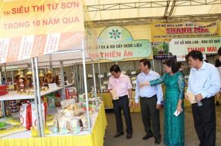 Phiên chợ tôn vinh hàng Việt Nam và những sản phẩm nổi bật của An Giang