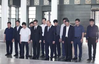 Hàng ngàn người tiễn đưa GS Hoàng Tụy về nơi an nghỉ cuối cùng