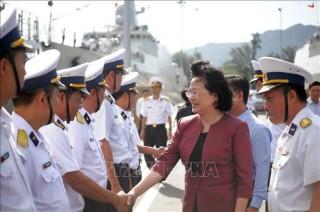 Cán bộ, chiến sĩ Vùng 4 Hải quân luôn vững vàng nơi đầu sóng