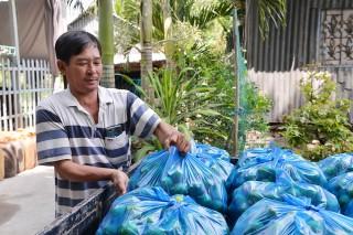 Nông dân xã Vĩnh Hanh thi đua sản xuất - kinh doanh giỏi