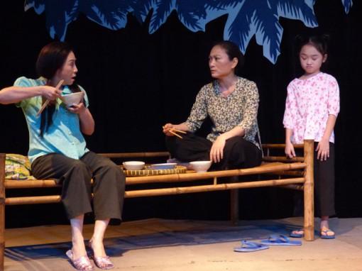 Mùa Vu lan và những bà mẹ trên sân khấu