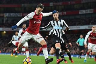 """Newcastle - Arsenal: Pháo thủ """"khai nòng"""""""