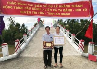 Gặp nông dân đóng góp 700 triệu đồng xây cầu