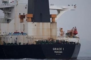 Mỹ ngăn chặn việc Anh thả tàu chở dầu của Iran