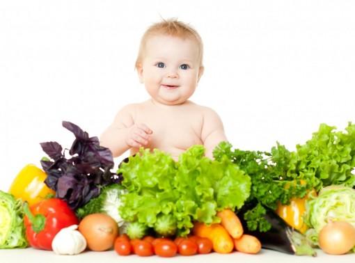 Cho bé ăn trái cây thay rau, liệu có ổn?