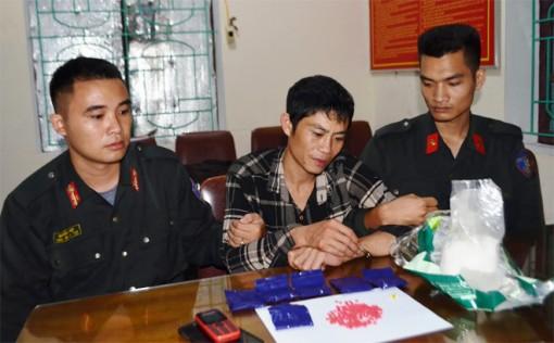 Shipper nhận chuyển 1.200 viên hồng phiến với giá 10 triệu đồng