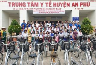 An Phú: Tặng 40 xe đạp cho học sinh nghèo học giỏi