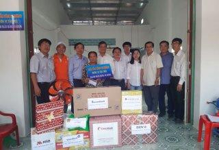 Trao 2 căn nhà Mái ấm tình thương cho gia đình chính sách ở thị trấn Long Bình